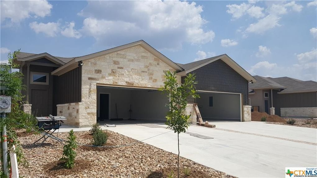 2220 And 2222 Avery Vlg, New Braunfels, TX 78130