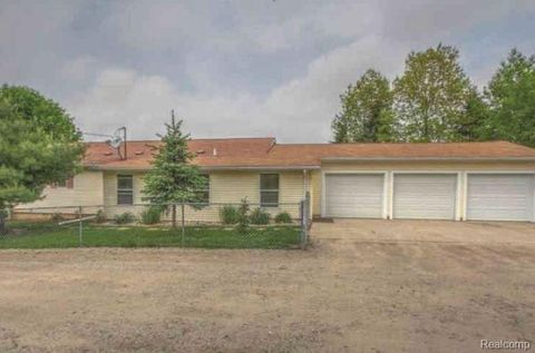Photo of 11724 N Division Ave, Algoma Township, MI 49345