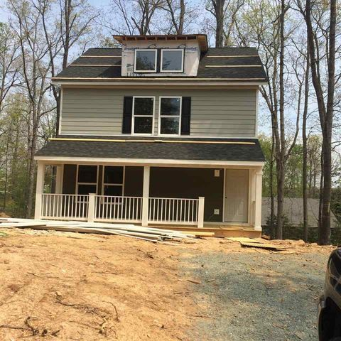 Photo of 4 Deerwood Ln, Palmyra, VA 22963