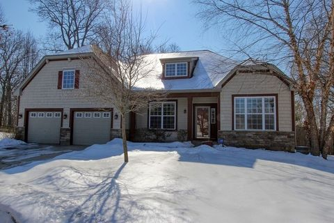 Photo of 282 S Westminister Ct, Round Lake, IL 60073