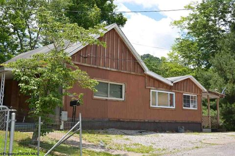 229 Arch St, Weston, WV 26452