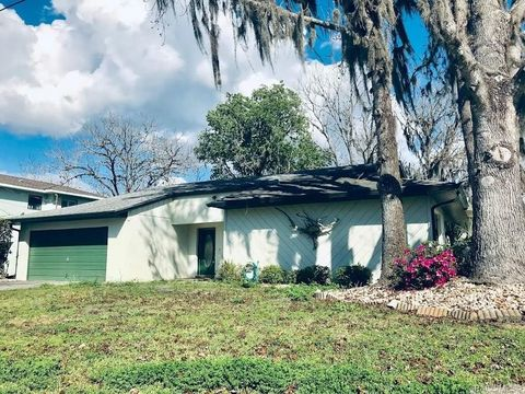 Photo of 1401 Se 4th Ave, Crystal River, FL 34429