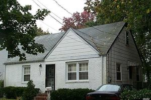 576 Southern Pkwy, Uniondale, NY 11553