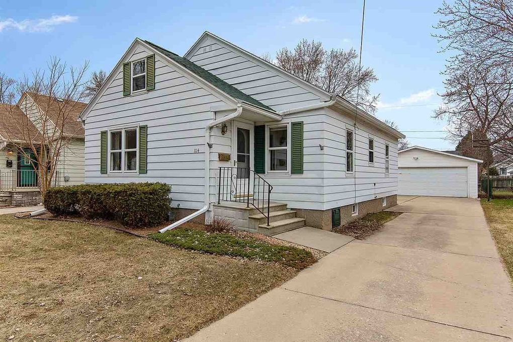 1114 12th Ave, Green Bay, WI 54304