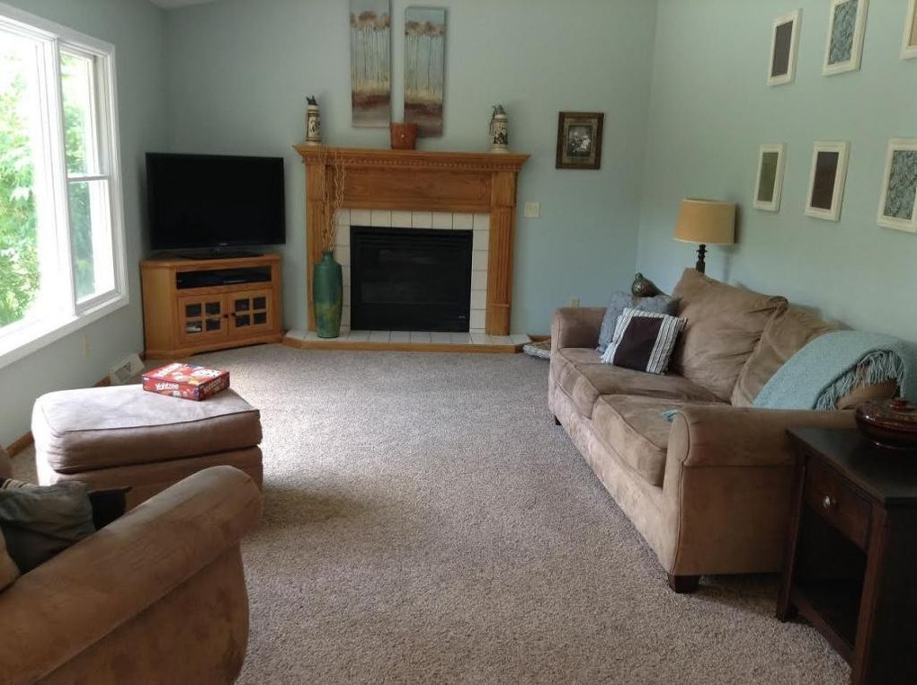 705 S Hills Dr, Plymouth, WI 53073