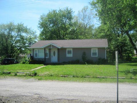 1002 S Sloan St, Maysville, MO 64469