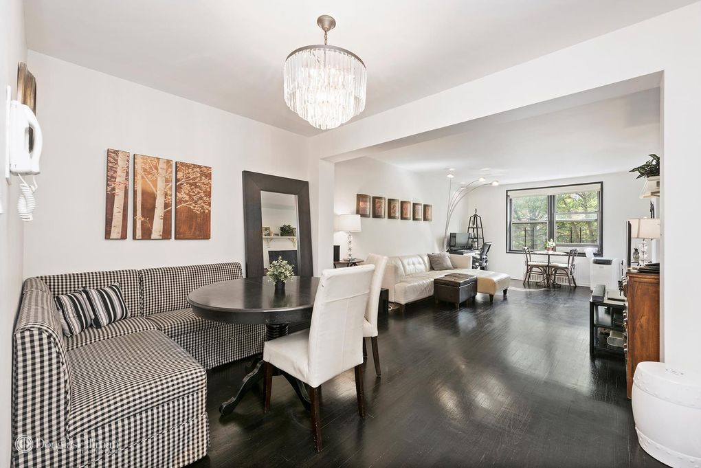 Living Room Queens Ny queens, ny real estate - queens homes for sale - realtor®