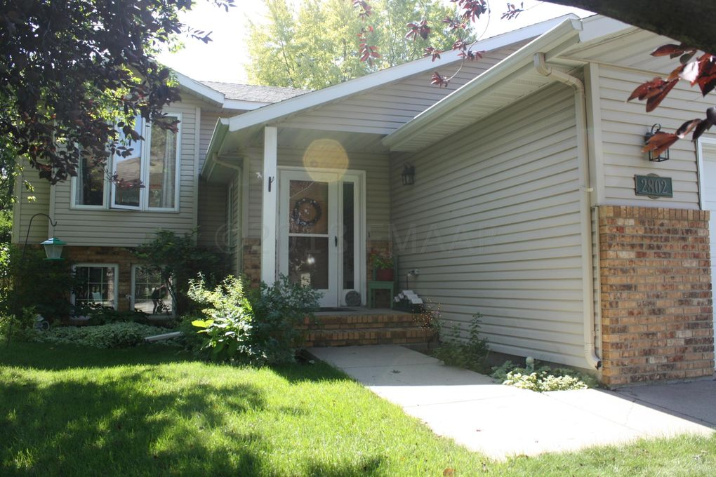 2802 23rd Ave S, Fargo, ND 58103