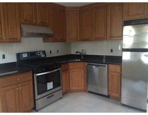 125 Elliot St Unit 1, Newton, MA 02461