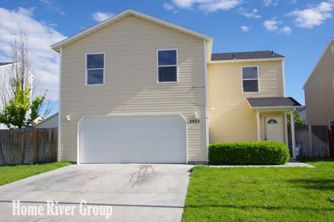 Photo of 3203 Arcadian Dr, Caldwell, ID 83605