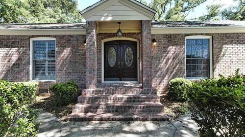 Photo of 1825 Bakalane Ave, Pensacola, FL 32504