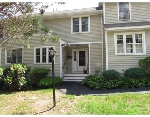89 Laurelwood Dr, Hopedale, MA 01747