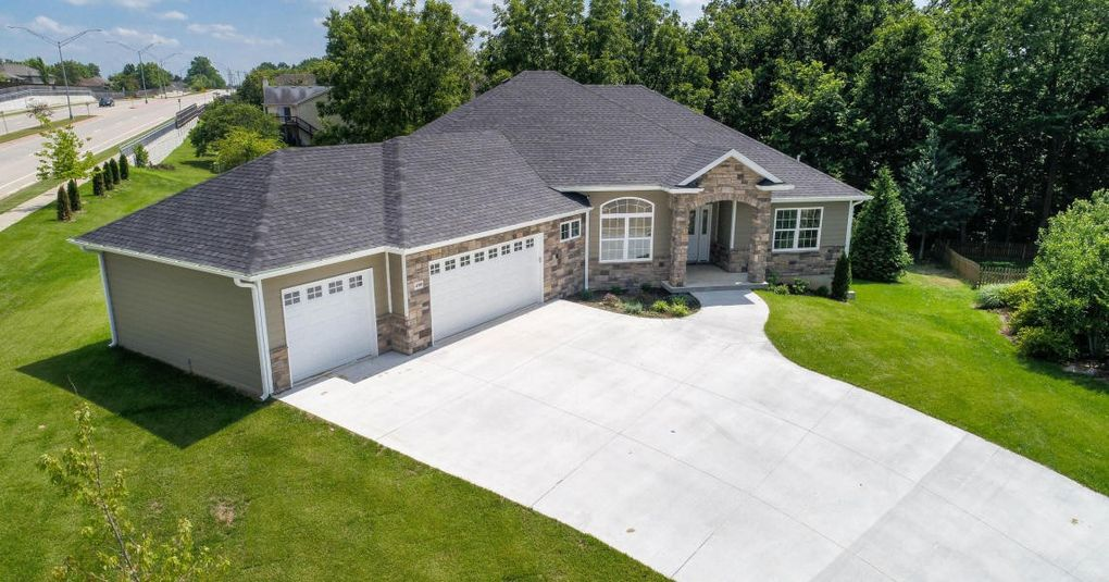 4300 Esther Lee Ct, Columbia, MO 65203