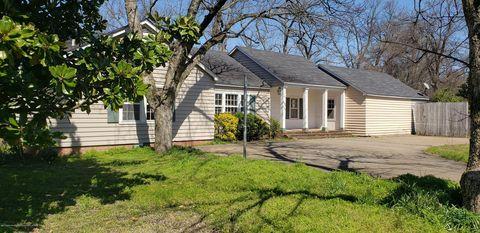 Photo of 611 Oakhurst Ave, Clarksdale, MS 38614