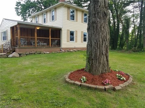Photo of 1727 W Western Reserve Rd, Poland, OH 44514