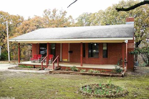 Photo of 96 Sunset Dr, North Little Rock, AR 72118