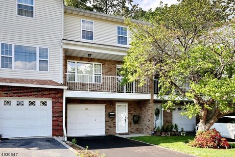 Elmwood Park Nj Condos Amp Townhomes For Sale Realtor Com 174