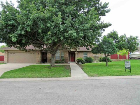 Photo of 117 White Feather Trl, Del Rio, TX 78840