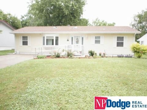 3101 S 39th St, Omaha, NE 68105