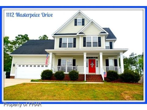 1112 Masterpiece Dr, Hope Mills, NC 28348