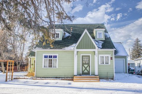 408 S Virginia St, Conrad, MT 59425