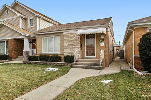 Photo of 7445 N Oconto Ave, Chicago, IL 60631