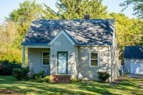 56896 Crumstown Rd, South Bend, IN 46619