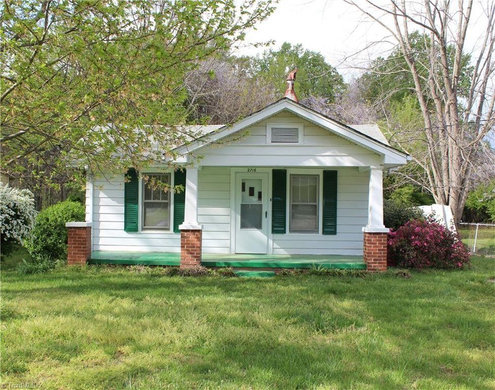 2716 Darden Rd, Greensboro, NC 27407