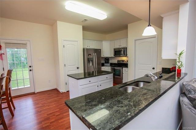 9723 Luscombe Ln, Richmond, VA 23228