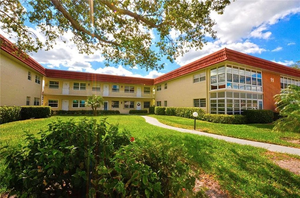 11 Vista Palm Ln Apt 107, Vero Beach, FL 32962 - realtor.com®