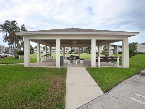 Photo of 340 Horizons W Apt 209, Boynton Beach, FL 33435