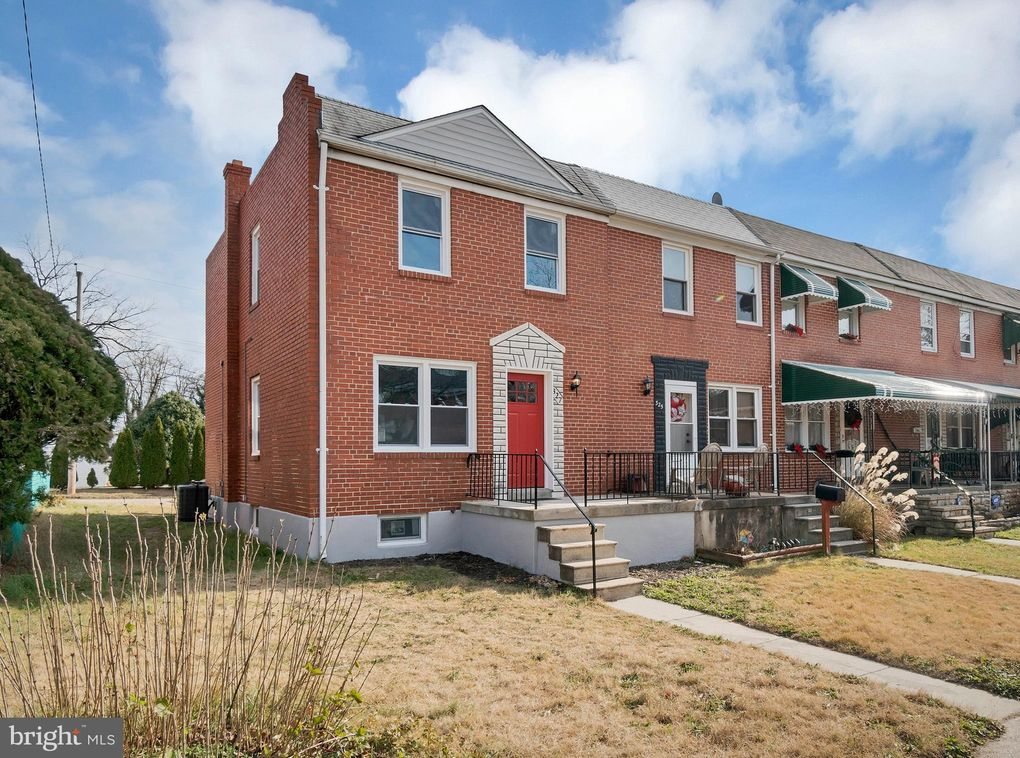 327 Leeanne Rd, Baltimore, MD 21221