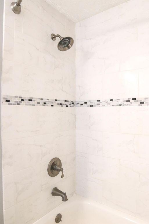 818 Jilbe Ln, Loveland, OH 45140 - Bathroom
