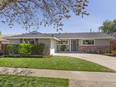 10354 Colby Ave, Cupertino, CA 95014