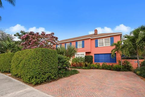 Photo of 243 Pershing Way, West Palm Beach, FL 33401