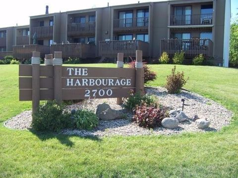 2700 N Shore Dr Unit L37, Clear Lake, IA 50428