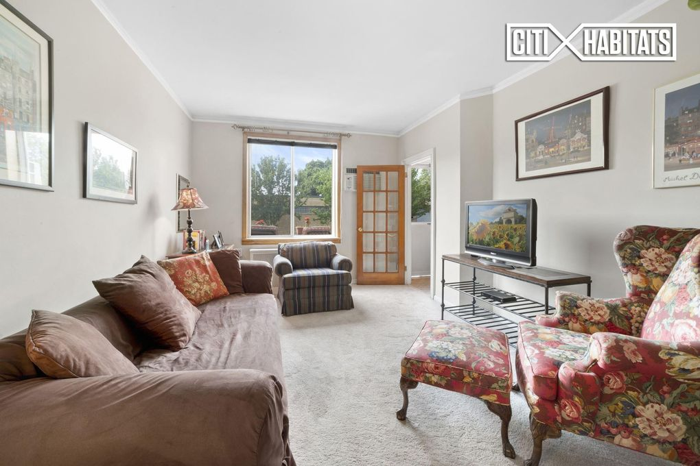 Living Room Queens Ny 38 17 48th ave, queens, ny 11101 - realtor®