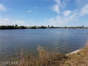 330 Nw 25th Ter, Cape Coral, FL 33993