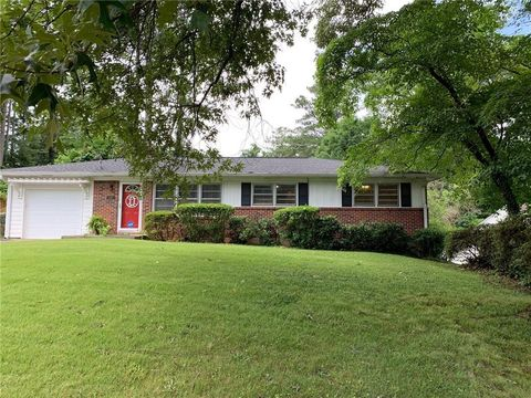 Photo of 3035 Stratford Arms Dr, Chamblee, GA 30341