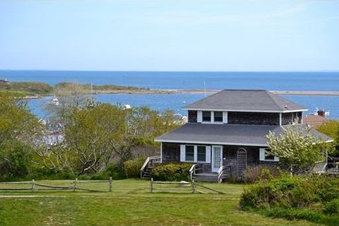 19 Bayview Dr, Gosnold, MA 02713