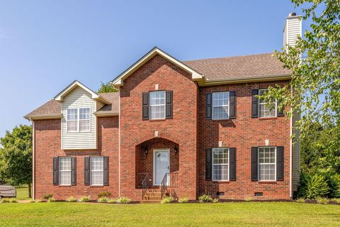 Photo of 1204 Corlew Dr, Burns, TN 37029