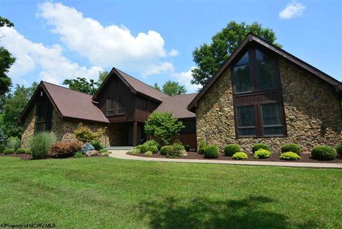 121 Green Mdw, Jane Lew, WV 26452