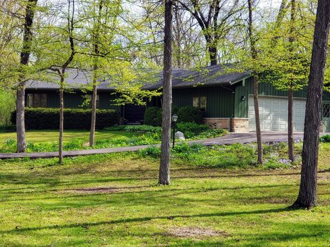 Photo of 30630 Southwoods Dr, Genoa, IL 60135