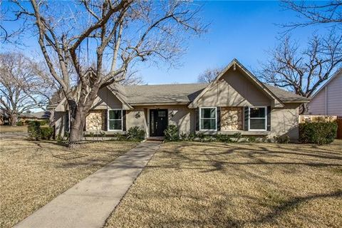Photo of 432 Pleasant Valley Ln, Richardson, TX 75080