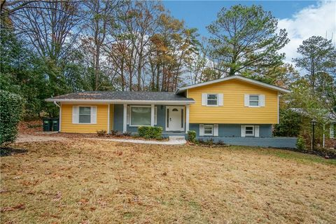 Photo of 2640 Casher Dr, Decatur, GA 30034