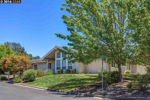 110 Allen Ct, Moraga, CA 94556