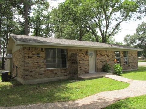 Photo of 175 West Dr, New Waverly, TX 77358