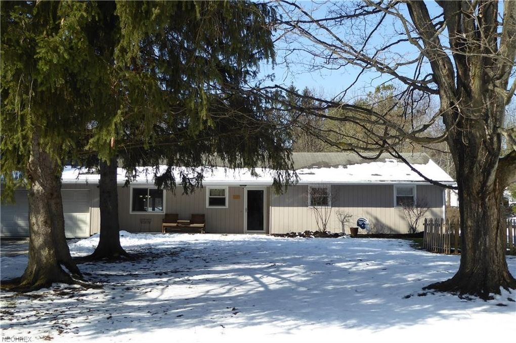 14398 Spring Valley Dr, Novelty, OH 44072
