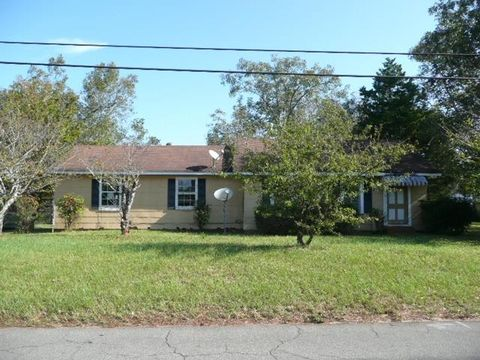 Photo of 957 Main St, Jeffersonville, GA 31044