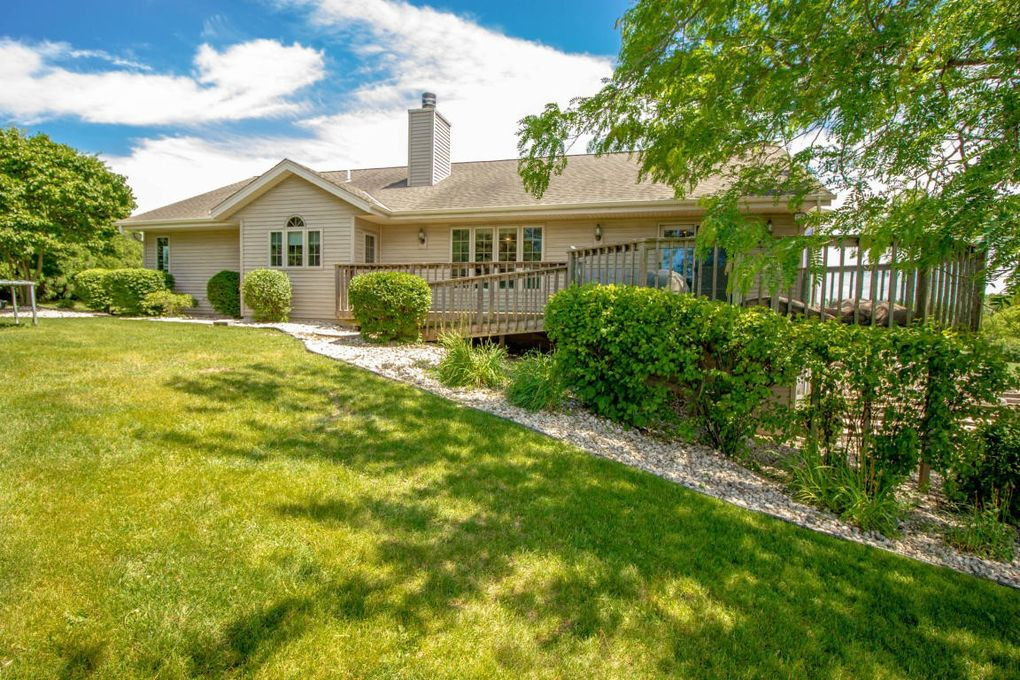 5118 Buena Park Rd Waterford WI 53185